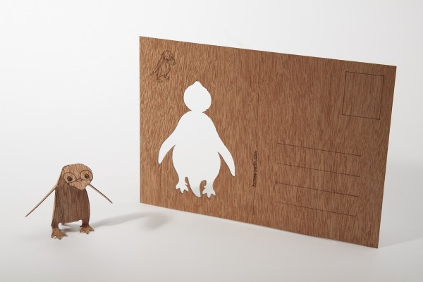 "Zedernholz Postkarte ""Pinguin"""