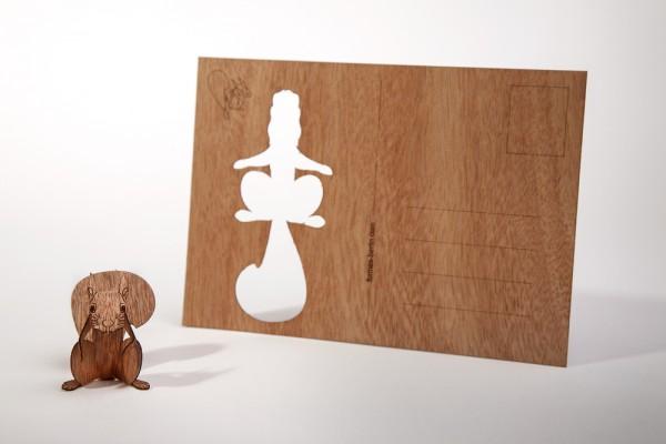 """Zedernholz Postkarte - """"Eichhörnchen"""""""